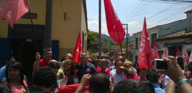 Ex- ministro da saúde, Alexandre Padilha, é recepcionado pelo prefeito Chico Brito e vereadores de Embu - Foto: Williana Lascaleia