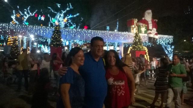 Decoração de Natal é inaugurada na Praça Nicola Vivilechio - Foto: Karla Lascaleia