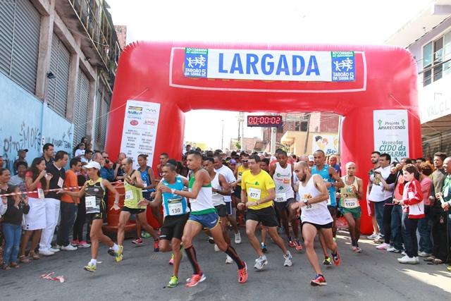 Corrida de 5 km foi realizada pela ONG Projeto Aparecendo no Jardim São Judas e teve o apoio da Prefeitura de Taboão da Serra- Foto – Ricardo Vaz