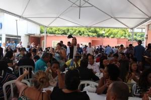 Após culto foi oferecido almoço para os presentes - Foto: Williana Lascaleia