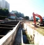 Foto 01 - Prefeitura de Taboão da Serra realiza limpeza de córregos