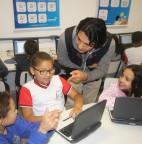 Foto 01 - Diretor da Khan Academy na América Latina visita escolas de Taboão