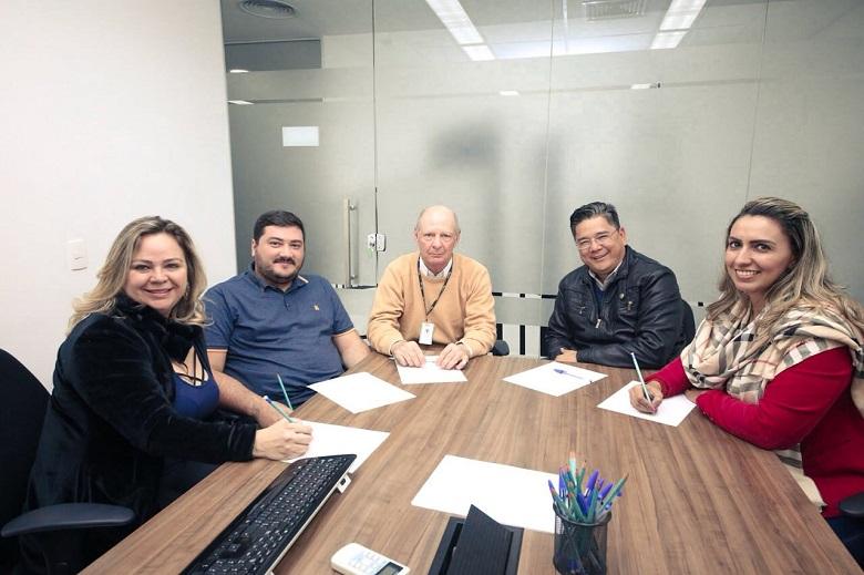Vereadores-visitam-Sercom-e-conhecem-programa-de-Inteligência-Artificial-da-empresa